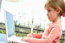 Девочка и компьютер