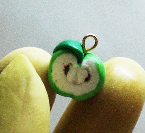 Яблоки из глины